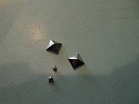 """Украшение """"пирамидка"""""""