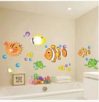 Декоративная наклейка на стену в ванную Рыбки