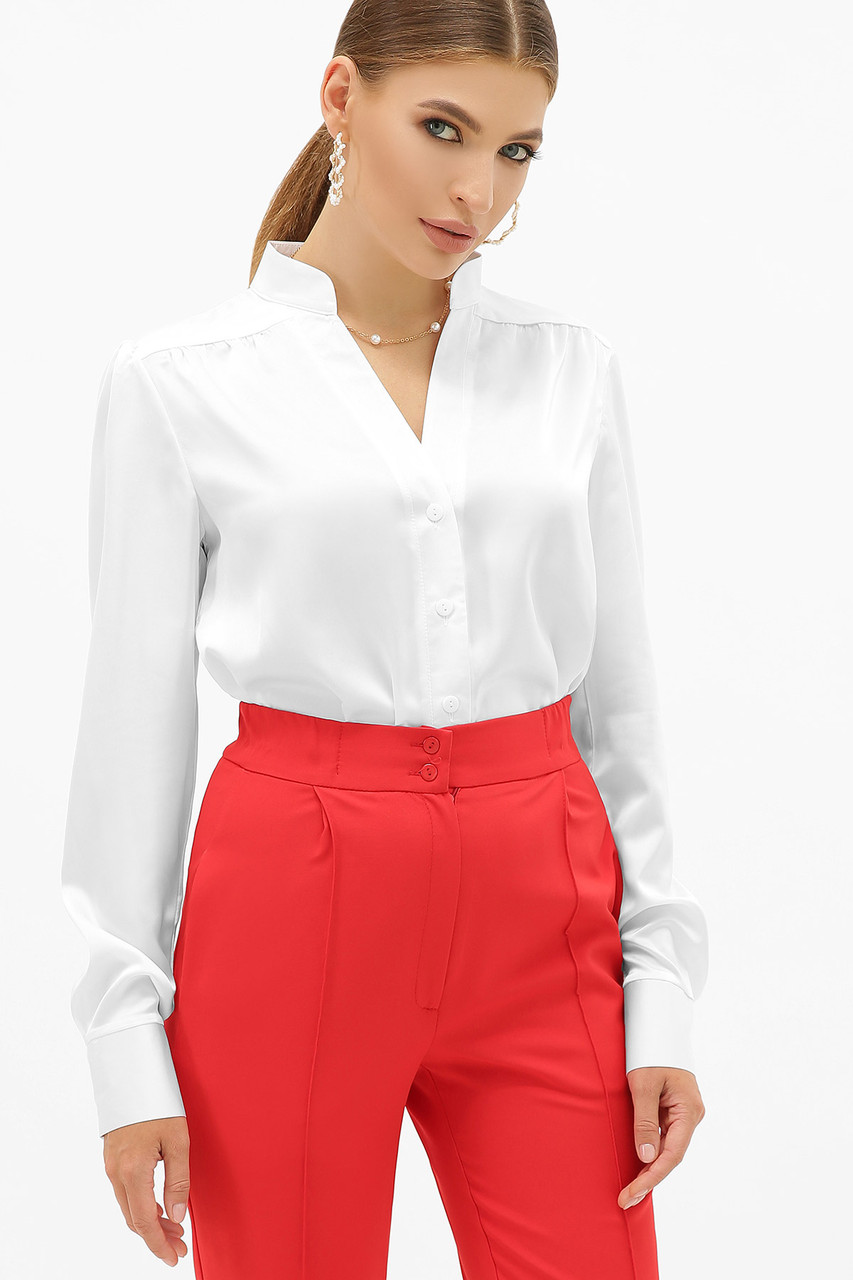 Белая женская шелковая блузка