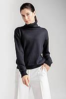 Демисезонный базовый свитер свободного кроя из мягкой и приятной к телу пряжи