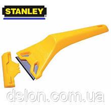 Скребок STANLEY 0-28-590 для оконных стекол, пластмассовый со стандартными лезвиями 60мм, L=170мм.