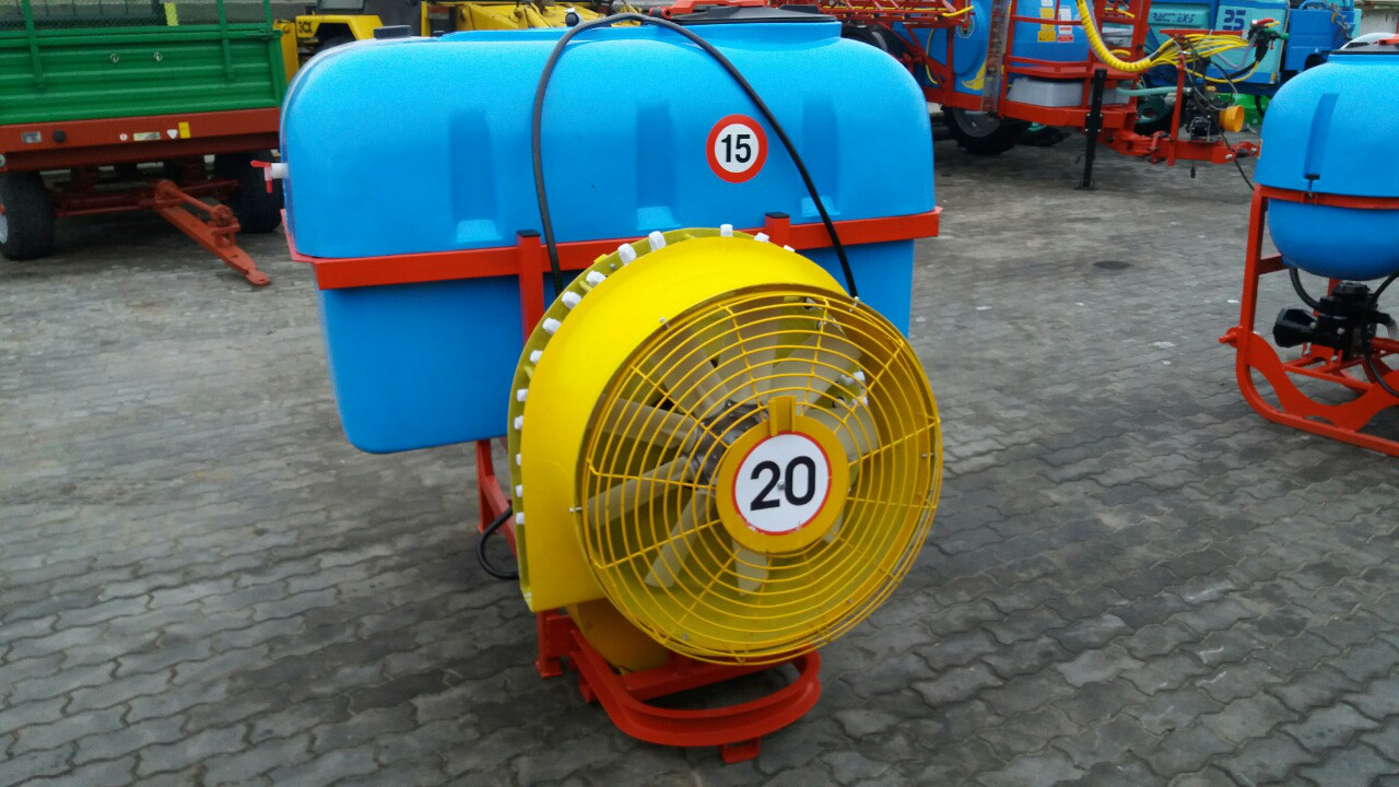 Опрыскиватель садовый с пластмассовыми форсунками Jar Met 600 л (Польша)