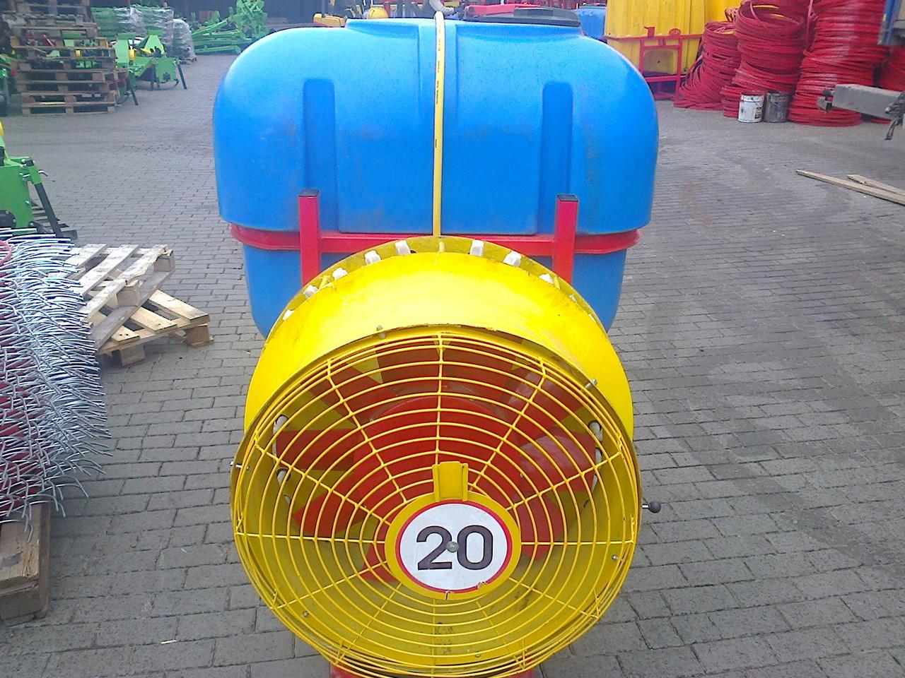 Опрыскиватель садовый с редукторным вентилятором и медными форсунками 600 л (Польша)