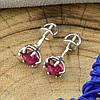 Серебряные серьги гвоздики размер 6х6 мм рубиновые фианиты вес 1.24 г, фото 2
