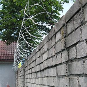Егоза Стандарт 700/5 спиральная колючая проволока