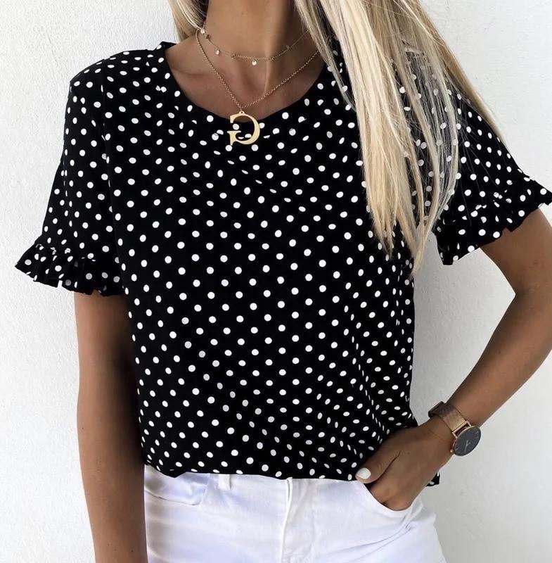 Блуза в горошек с коротким рукавом