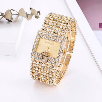 Жіночі годинники з золотистим браслетом код 621