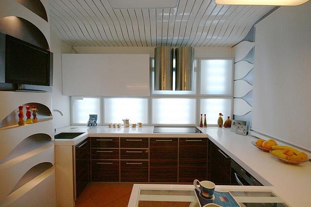 кухонное освещение холодного цвета