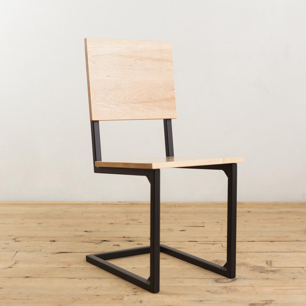 Дерев'яний стілець для бару від виробника