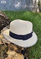 Соломенная женская шляпа с темной лентой