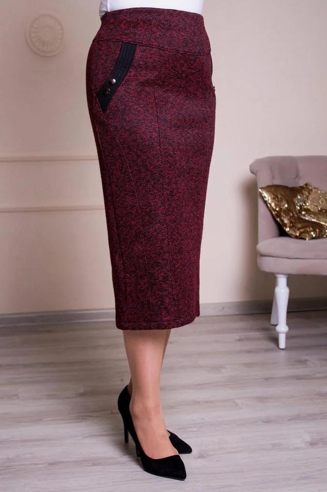изображение женская бордовая юбка из плотного трикотажа