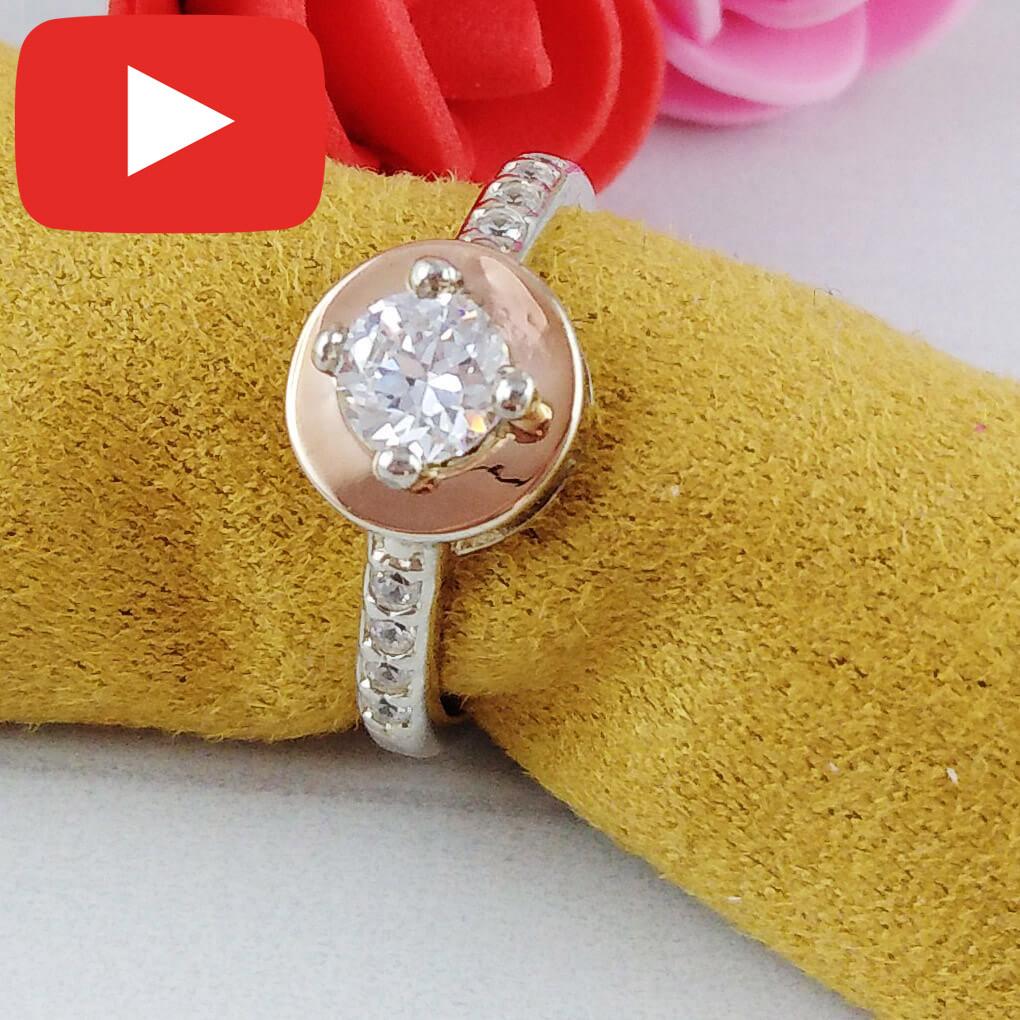 Серебряное кольцо с золотыми вставками размер 16  546 к
