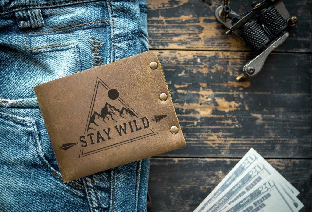 Чоловічий шкіряний гаманець ТатуНаКоже, stay wild