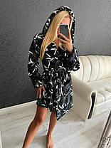 Теплый женский длинный махровый халат с капюшоном черного цвета, фото 2