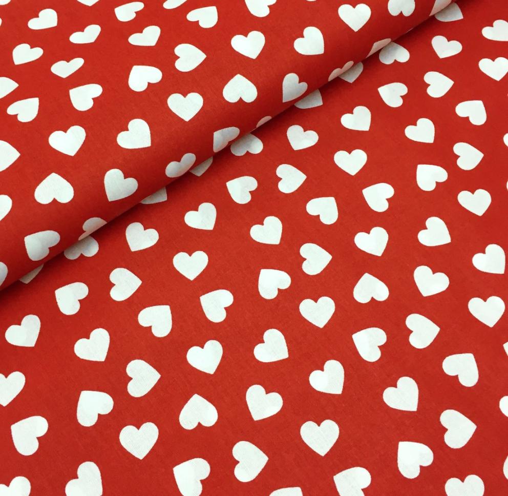 """Польская хлопковая ткань """"сердца белые на красном"""""""
