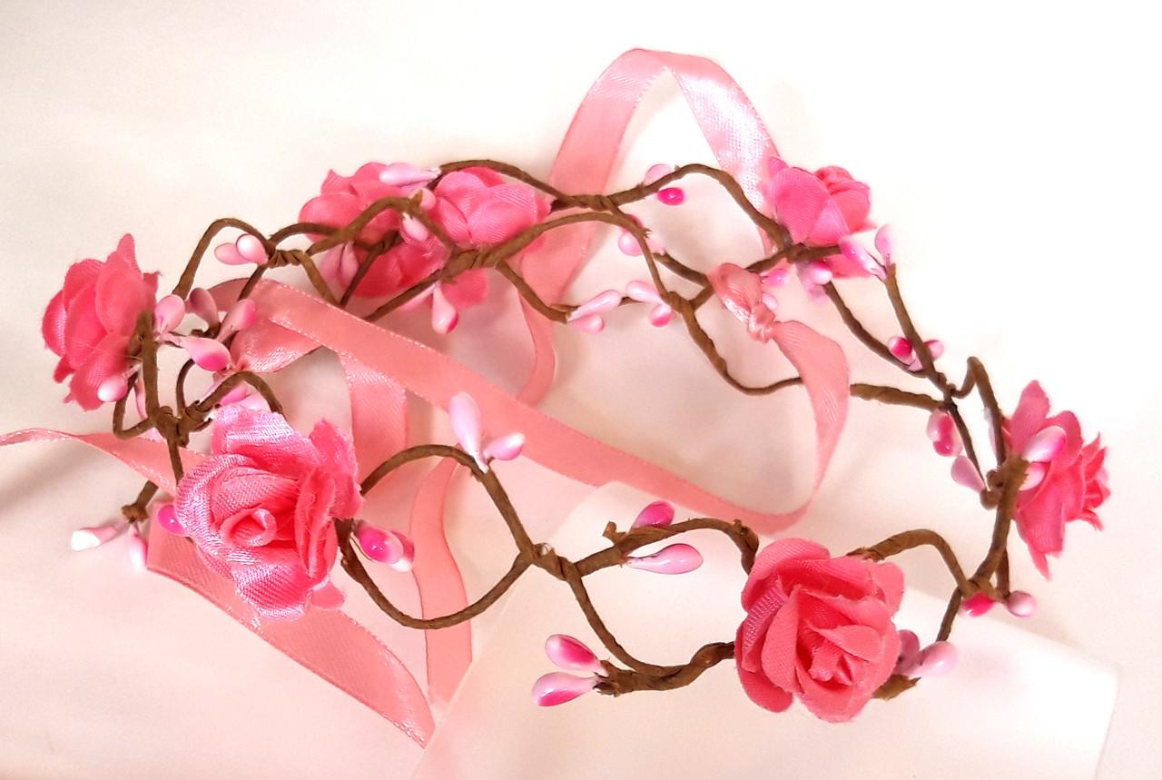 Веночек веточка плетеный, малиновые розы