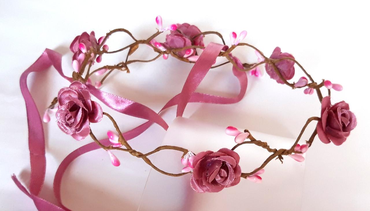 Веночек веточка плетеный, лиловые розы
