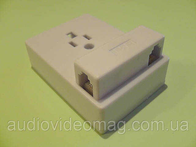 Розетка-адаптер телефонная белая
