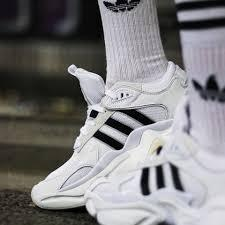 Мужские кроссовки Adidas Consortium Naked Magmur Runner в стиле Адидас Магмур БЕЛЫЕ (Реплика ААА+)