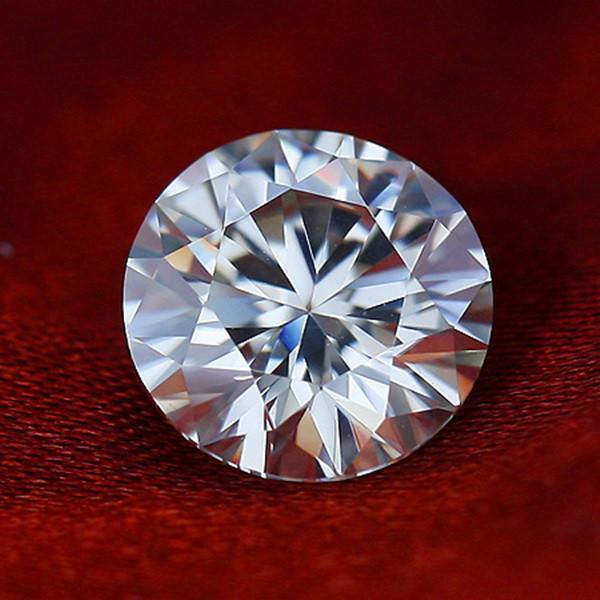 Moissanite Муассанит чисто білий 0.50 ct 5.0 mm. VVS1