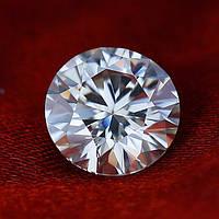 Муассанит - бриллиант чисто белый 0.50 ct 5.0 mm. VVS1