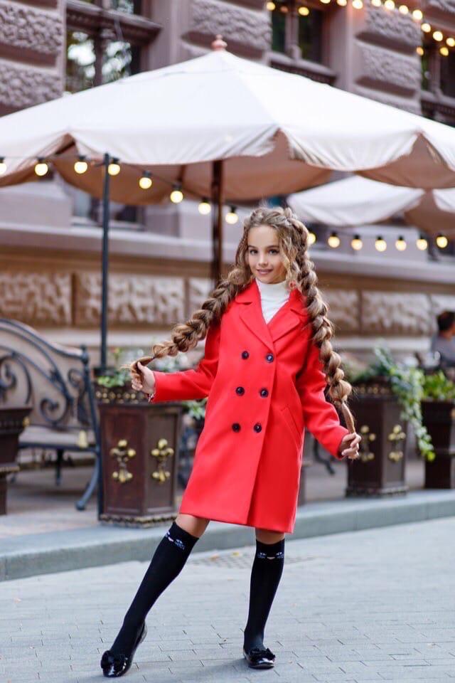 Стильное красное подростковое пальто из кашемира на рост 134-152 чёрный