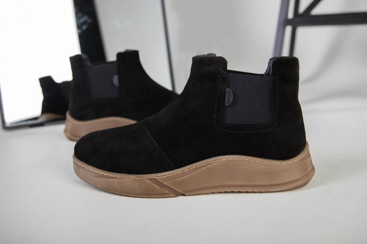 Мужские черные замшевые зимние ботинки на резинке