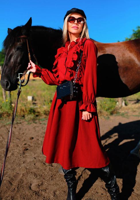 Костюм с юбкой и блузой Размеры: 42-44, 46-48