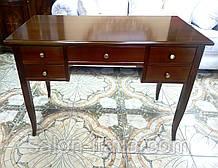 Письмовий стіл у класичному стилі