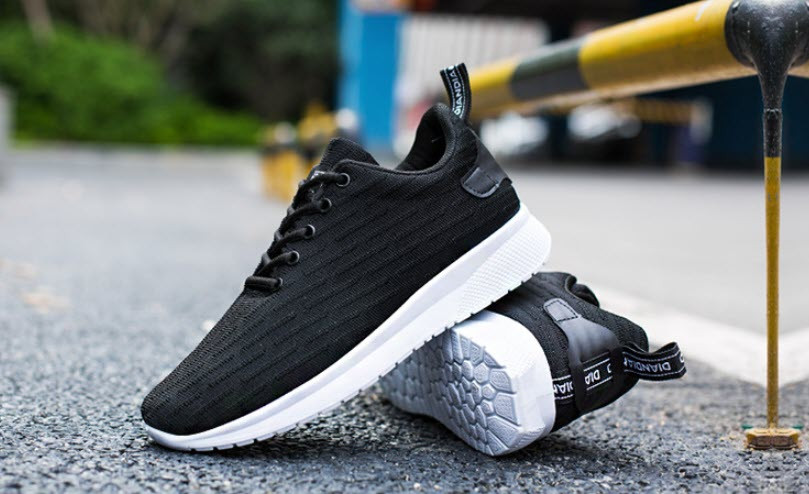Удобные мужские тканевые кроссовки