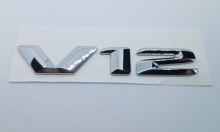 Надпись V12 New на крыло