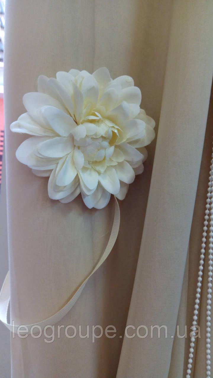 Магнитный подхват для штор Цветок большой белый