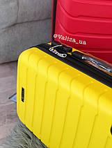 Пластиковый чемодан маленький желтый  для ручной клади, фото 3