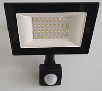 Прожектор светодиодный LED 30w 6500K IP65 2400LM 175-265V с датчиком чёрный/ LMPS37, фото 1