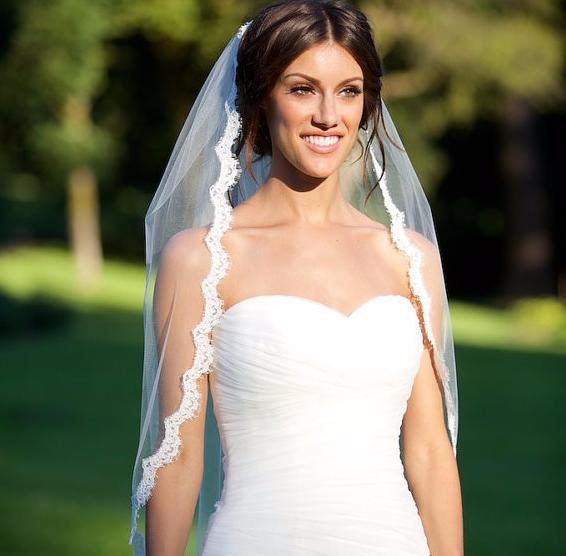испанская фата с кружевом на свадьбу