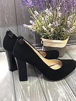 Замшеві жіночі туфлі на каблуку