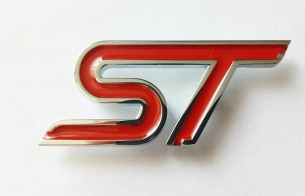 Шильдик надпись ST (red) на крышку багажника