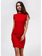 Стильное красное женское платье - футляр без рукавов