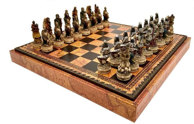 """Коллекция фигур """"Skeletons"""". Шахматы подарочные Italfama."""