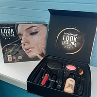 Набор декоративной косметики MAC Look in a box