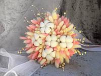 Букет из сухоцветов с розовой лентой
