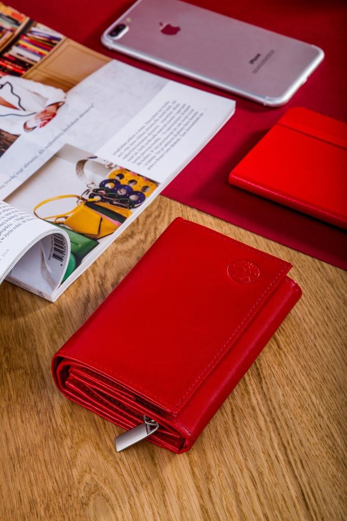 Жіночий шкіряний гаманець Betlewski з RFID 13 х 9 х 3,5 (BPD-DZ-11)- червоний