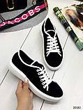 Женские кеды Converse на шнуровках черные из натуральной замши на белой подошве, фото 2