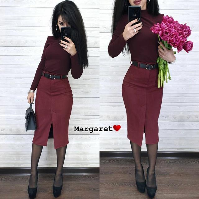 Женская замшевая юбка по колено с разрезом спереди