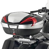 Крепление центрального кофра Givi SR1134 на мотоцикл Honda CTX1300 2014 - 2015