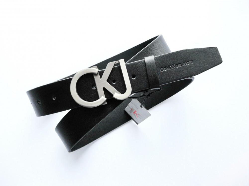 Кожаный ремень Calvin Klein унисекс черный