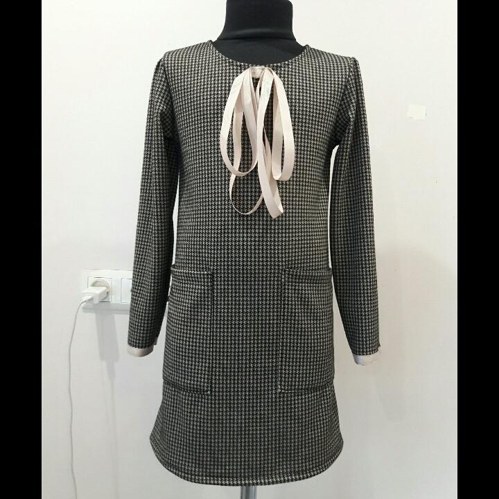 Теплое платье для девочки подростка