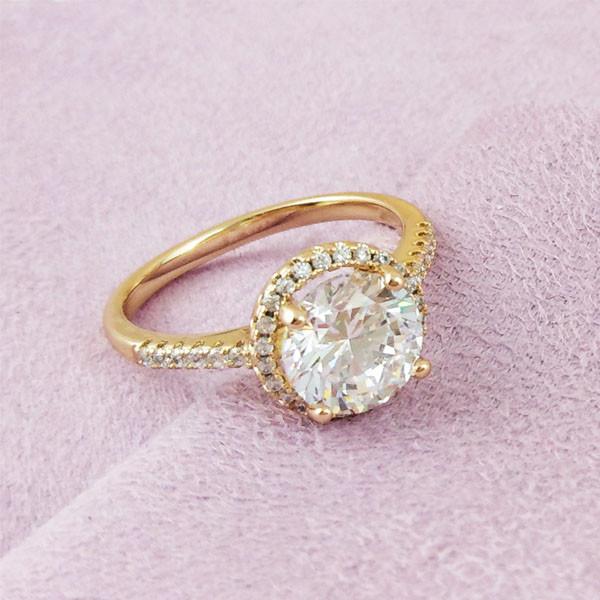 Кольцо Xuping Jewelry размер 17 Эмилия белый медицинское золото позолота 18К А/В 2-0018