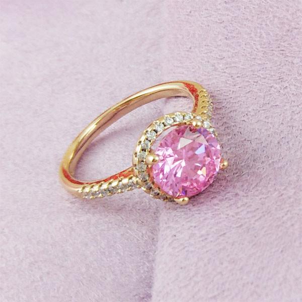 Кольцо Xuping Jewelry размер 18 Эмилия розовый медицинское золото позолота 18К А/В 2-0032