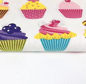 """Польская хлопковая ткань """"разноцветные кексы на белом фоне"""", фото 2"""